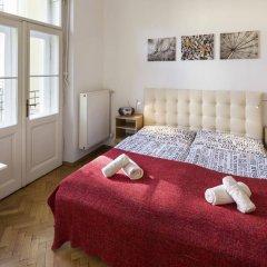 Апартаменты Apartments Dusni - Old Town Square Прага комната для гостей