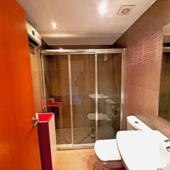 Отель Estudio Madrid Испания, Курорт Росес - отзывы, цены и фото номеров - забронировать отель Estudio Madrid онлайн ванная