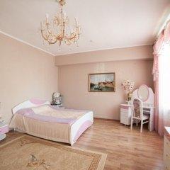 Гостиница Family-Hotel в Кургане отзывы, цены и фото номеров - забронировать гостиницу Family-Hotel онлайн Курган комната для гостей фото 4