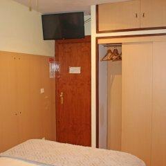 Отель Residencial Paranhos Порту сейф в номере