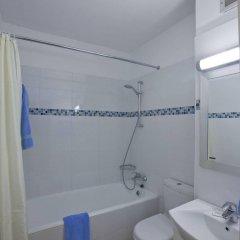 Отель Trizas Hotel Apartments Кипр, Протарас - отзывы, цены и фото номеров - забронировать отель Trizas Hotel Apartments онлайн ванная