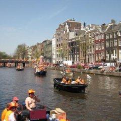 Отель Amsterdam Hostel Uptown Нидерланды, Амстердам - отзывы, цены и фото номеров - забронировать отель Amsterdam Hostel Uptown онлайн приотельная территория фото 2