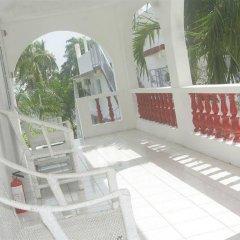 Отель Executive Mammee Bay Hotel Ямайка, Очо-Риос - отзывы, цены и фото номеров - забронировать отель Executive Mammee Bay Hotel онлайн балкон