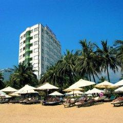Отель The Light Hotel & Spa Вьетнам, Нячанг - 1 отзыв об отеле, цены и фото номеров - забронировать отель The Light Hotel & Spa онлайн пляж