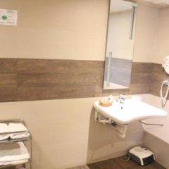 Отель Hostal Oianume Испания, Урньета - отзывы, цены и фото номеров - забронировать отель Hostal Oianume онлайн ванная фото 2
