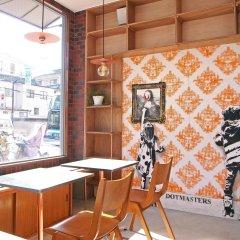Отель KITSUNE SHIPPO - Hostel Япония, Токио - отзывы, цены и фото номеров - забронировать отель KITSUNE SHIPPO - Hostel онлайн интерьер отеля