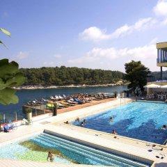 Отель Horizont Resort бассейн