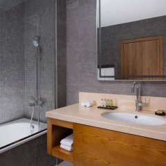 Гостиница DoubleTree by Hilton Almaty ванная