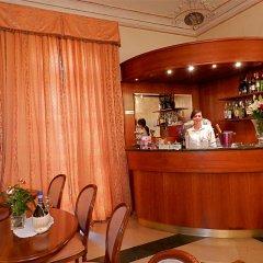 Отель Domus Florentiae Hotel Италия, Флоренция - 1 отзыв об отеле, цены и фото номеров - забронировать отель Domus Florentiae Hotel онлайн гостиничный бар