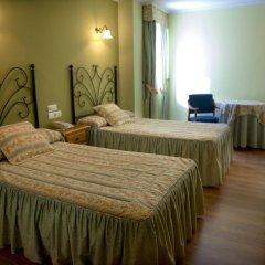 Hotel Alpina Вильянуэва-де-Ароса комната для гостей