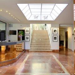 Отель BEST WESTERN Le Patio des Artistes Франция, Канны - 1 отзыв об отеле, цены и фото номеров - забронировать отель BEST WESTERN Le Patio des Artistes онлайн интерьер отеля фото 2