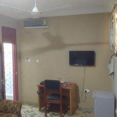 Отель Nasco Hotel Гана, Кофоридуа - отзывы, цены и фото номеров - забронировать отель Nasco Hotel онлайн комната для гостей фото 5