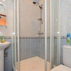Отель Меблированные комнаты Амулет на Большом Проспекте Санкт-Петербург ванная