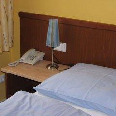 Отель Aparthotel Austria Suites комната для гостей