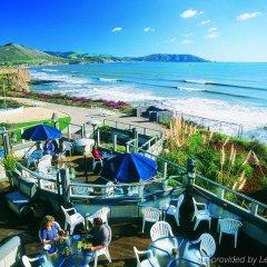 Отель Spyglass Inn пляж