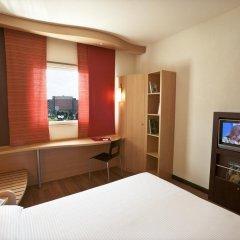 Отель Rafael Италия, Милан - отзывы, цены и фото номеров - забронировать отель Rafael онлайн удобства в номере фото 2