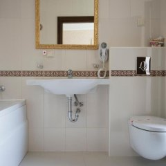Отель Diamond Болгария, Казанлак - отзывы, цены и фото номеров - забронировать отель Diamond онлайн ванная