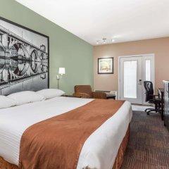 Отель Super 8 by Wyndham Saskatoon Near Saskatoon Airport комната для гостей фото 3