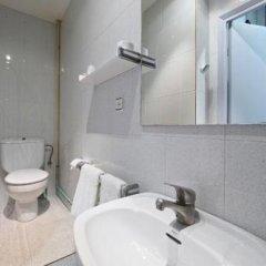 Отель Pensión Peiró Испания, Барселона - 1 отзыв об отеле, цены и фото номеров - забронировать отель Pensión Peiró онлайн ванная фото 3