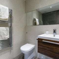 Отель Central Flat With Garden View Ideal for Couples Великобритания, Лондон - отзывы, цены и фото номеров - забронировать отель Central Flat With Garden View Ideal for Couples онлайн ванная фото 2