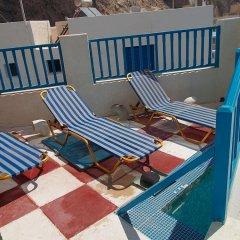 Отель Maria Mill Studios Греция, Остров Санторини - 1 отзыв об отеле, цены и фото номеров - забронировать отель Maria Mill Studios онлайн бассейн