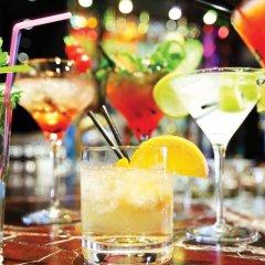 Отель Crystal Tat Beach Golf Resort & Spa гостиничный бар