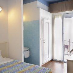 Отель Fra I Pini Италия, Римини - отзывы, цены и фото номеров - забронировать отель Fra I Pini онлайн комната для гостей фото 3