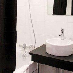 Отель Comfort Hotel Davout Nation Paris 20 Франция, Париж - отзывы, цены и фото номеров - забронировать отель Comfort Hotel Davout Nation Paris 20 онлайн ванная