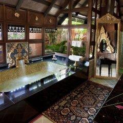 Отель Mercure Mandalay Hill Resort бассейн