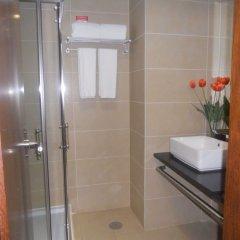 Отель Skyna Hotel Luanda Ангола, Луанда - отзывы, цены и фото номеров - забронировать отель Skyna Hotel Luanda онлайн ванная