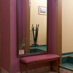 Гостиница На Марата сейф в номере