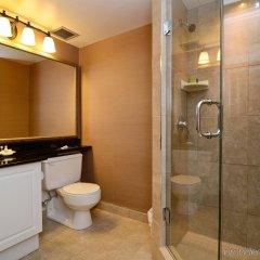 Отель Albert At Bay Suite Hotel Канада, Оттава - отзывы, цены и фото номеров - забронировать отель Albert At Bay Suite Hotel онлайн ванная