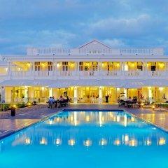 Отель Grand Pacific Hotel Фиджи, Сува - отзывы, цены и фото номеров - забронировать отель Grand Pacific Hotel онлайн бассейн