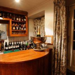 Lawrence's Hotel гостиничный бар