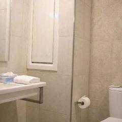 Отель Gillieru Harbour Сан-Пауль-иль-Бахар ванная