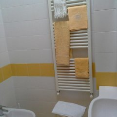 Отель The Flea's Home Фонди ванная фото 2