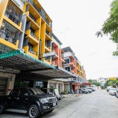 Апартаменты Asia Place Apartment Бангкок парковка