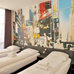 Отель Tourist Inn Budget Hotel - Hostel Нидерланды, Амстердам - 1 отзыв об отеле, цены и фото номеров - забронировать отель Tourist Inn Budget Hotel - Hostel онлайн комната для гостей