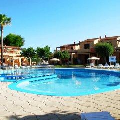 Отель Apartmentos Ses Anneres бассейн