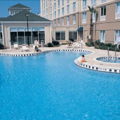 Отель Hilton Garden Inn Orlando at SeaWorld бассейн
