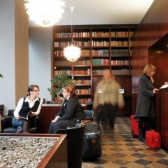 Отель Aparthotel am Zwinger интерьер отеля фото 3