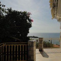 Отель Sun Rose Apartments Черногория, Свети-Стефан - отзывы, цены и фото номеров - забронировать отель Sun Rose Apartments онлайн пляж