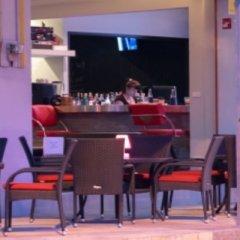 Отель Hideaway Guest House And Bar