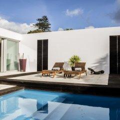 Отель White Exclusive Suite & Villas бассейн
