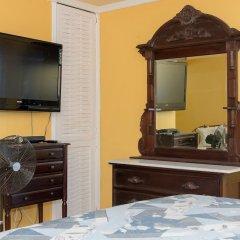 Отель Montego Bay Club Beach Resort Ямайка, Монтего-Бей - отзывы, цены и фото номеров - забронировать отель Montego Bay Club Beach Resort онлайн удобства в номере фото 2