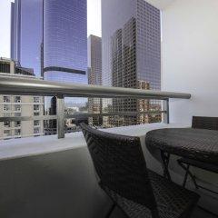 Отель DTLA Condos by Barsala балкон