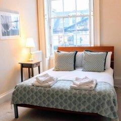 Отель 2 Bedroom Flat In The Central New Town Великобритания, Эдинбург - отзывы, цены и фото номеров - забронировать отель 2 Bedroom Flat In The Central New Town онлайн комната для гостей фото 2