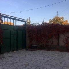 Отель Three Jugs B&B Ереван парковка