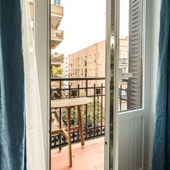 Отель Puerta de Atocha City Center балкон