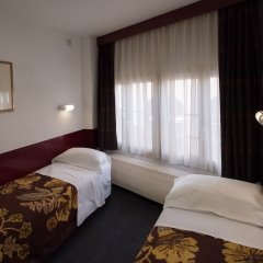 Отель Budget Hotel Ben Нидерланды, Амстердам - 1 отзыв об отеле, цены и фото номеров - забронировать отель Budget Hotel Ben онлайн комната для гостей фото 5